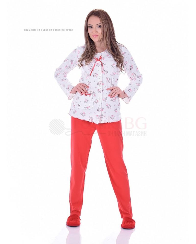 Дамска пижама интерлог в три комбинации с нежни цветя