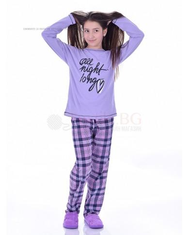 Юношеска пижама за момиче със ситопечат и каре панталон в два цвята