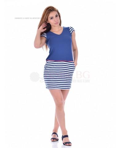 Комфортна дамска рокля с джоб в двуцветна комбинация с райе