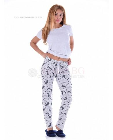 Памучен дамски панталон в десен на котки