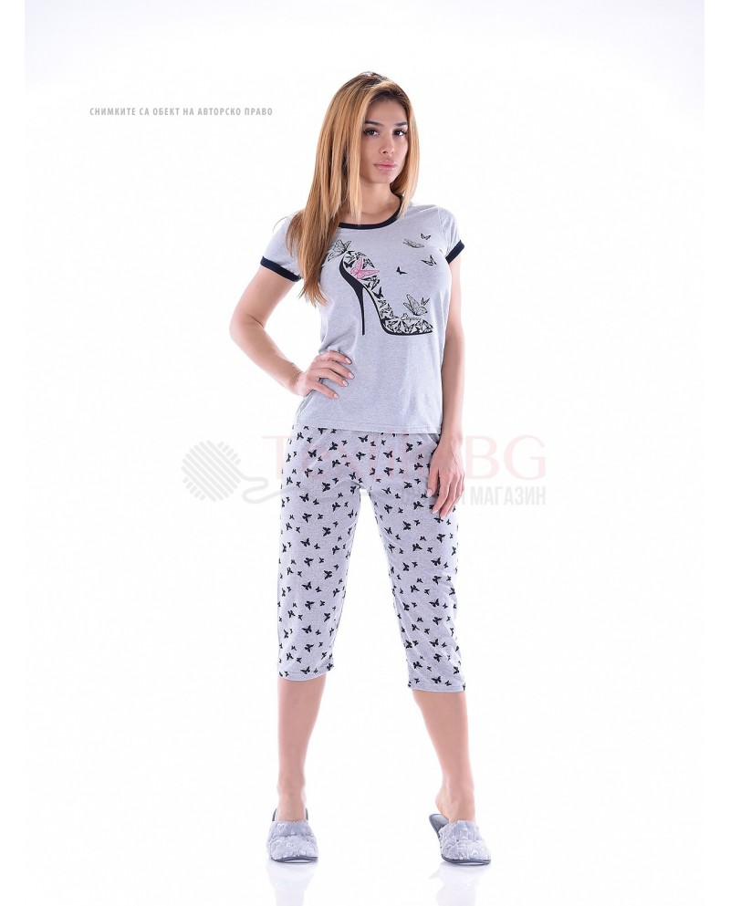 Дамска пижама къс ръкав в десен с красиви пеперуди