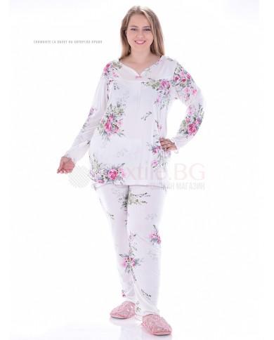 Красива дамска пижама рози с веобразно деколте