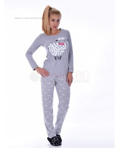 Памучна дамска пижама с ефектен ситопечат овца