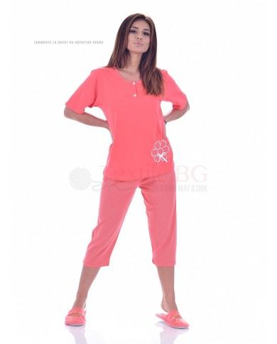 Дамска пижама къс ръкав с апликация цвете в три топли нюанса