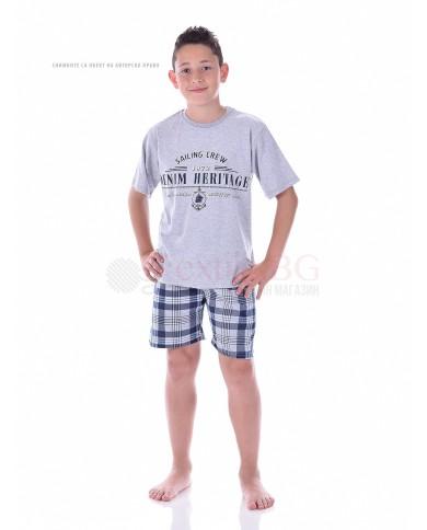 Юношеска пижама момче с къс ръкав в две комбинации с каре панталон