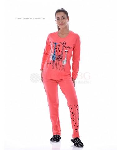 Дамска пижама с ефектен ситопечат жирафи в три комбинации