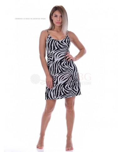 Дамска нощница тънки презрамки в двуцветен стилен десен